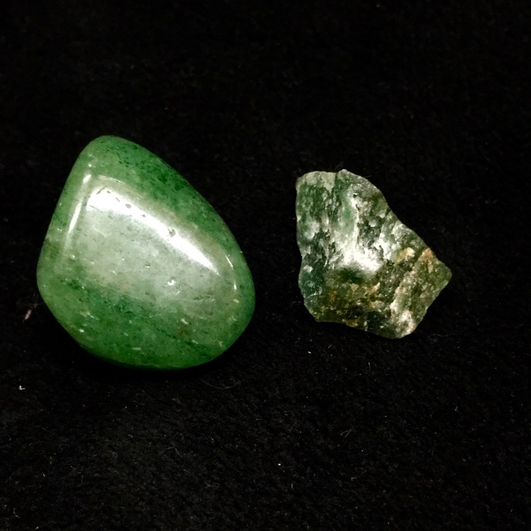 green-aventurine-polished-and-raw